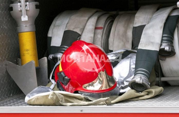 Разсеяни домакини вдигнаха пожарникарите на крак