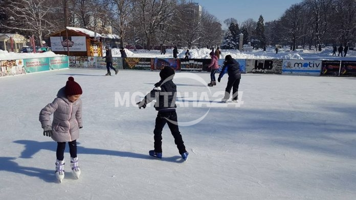 Безплатна ледена пързалка в Монтана