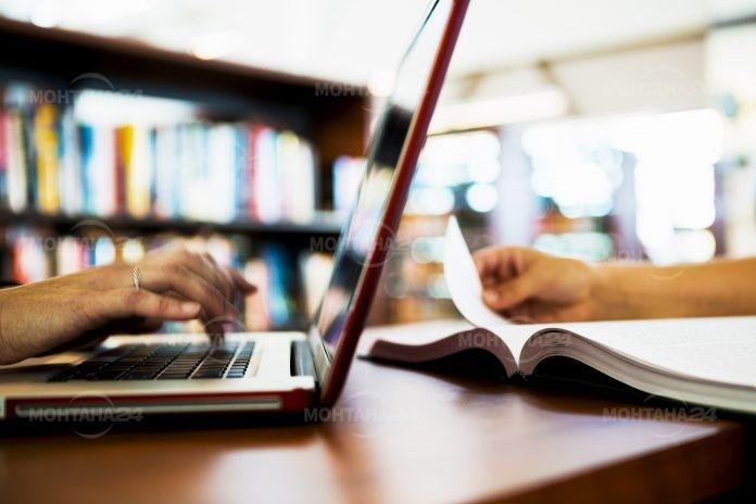 Гимназиите и университетите минават на онлайн обучение