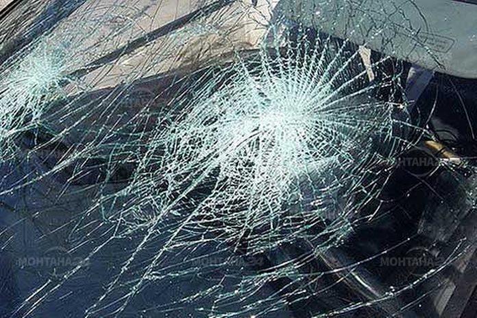 Дете и двама възрастни пострадаха при катастрофа