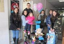 Младежи от Берковица дариха инвалидна количка