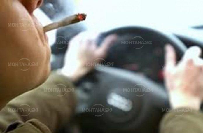Хванаха дрогиран мъж да кара автомобил без регистрация