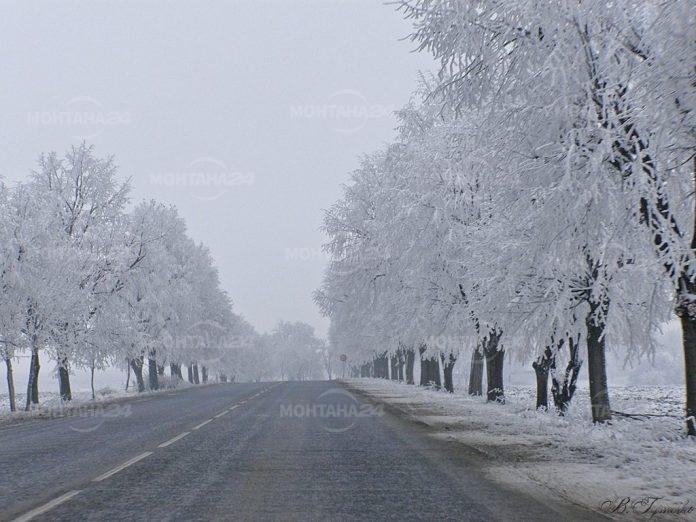 Заради снега отново ограничиха движението по Е79