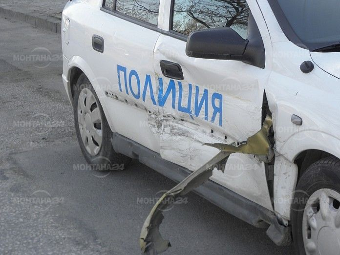 Полицейска патрулка се блъсна в АУДИ