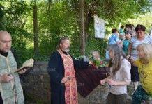 Петвековната черква в Горна Вереница събра вярващите на летния Свети Николай