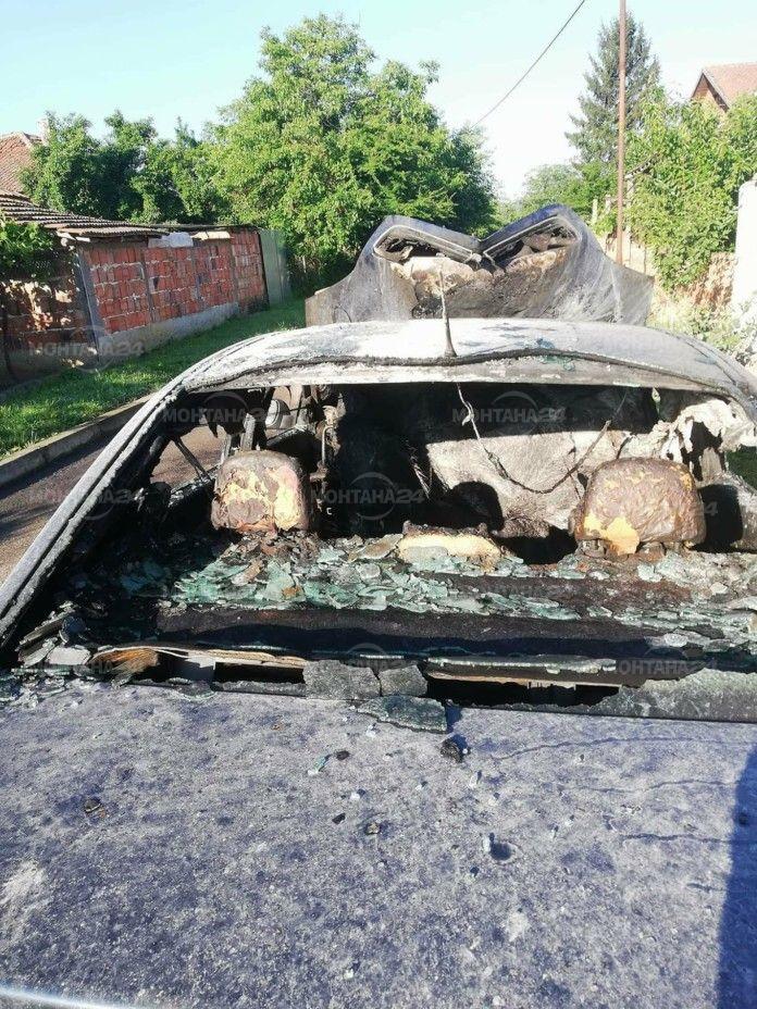 Само в М24! Запалиха колите на заместник-кмета на Бойчиновци