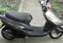 Младеж открадна мотопед, закара го в гробищата