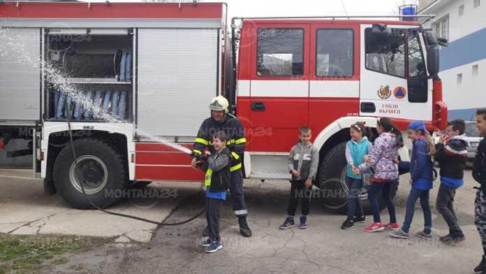 Запали се детска ясла в Монтана, децата са евакуирани