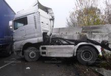 Тежка катастрофа между два тира в Смирненски