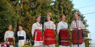 """Солисти от """"Пъстренец Jr."""" са финалисти в онлайн конкурс"""